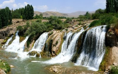 Muradiye-Berkri Waterfalls